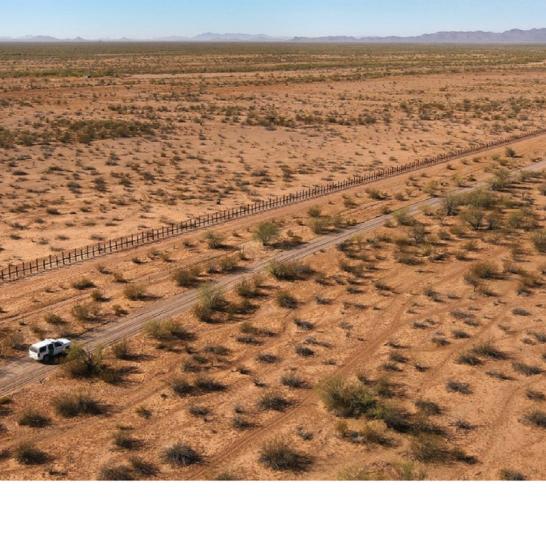 - Más del 60% de las personas que viven dentro de las 350 millas de la frontera sur se oponen a la idea de la construcción del muro. Pew Research Center